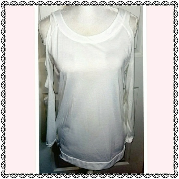 Tops - White slashed long sleeved top, sz M